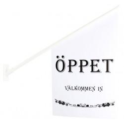 """Flagga """"Öppet"""" vid med svart text"""